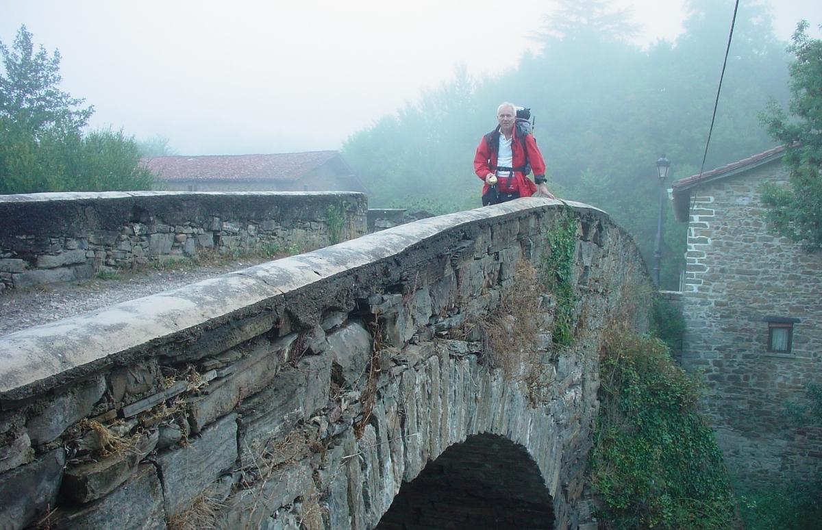 alte Bogenbrücke vor Zubiri