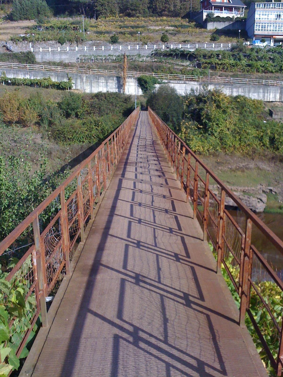Portomarin, alte Stahlbrücke über den Rio Minor