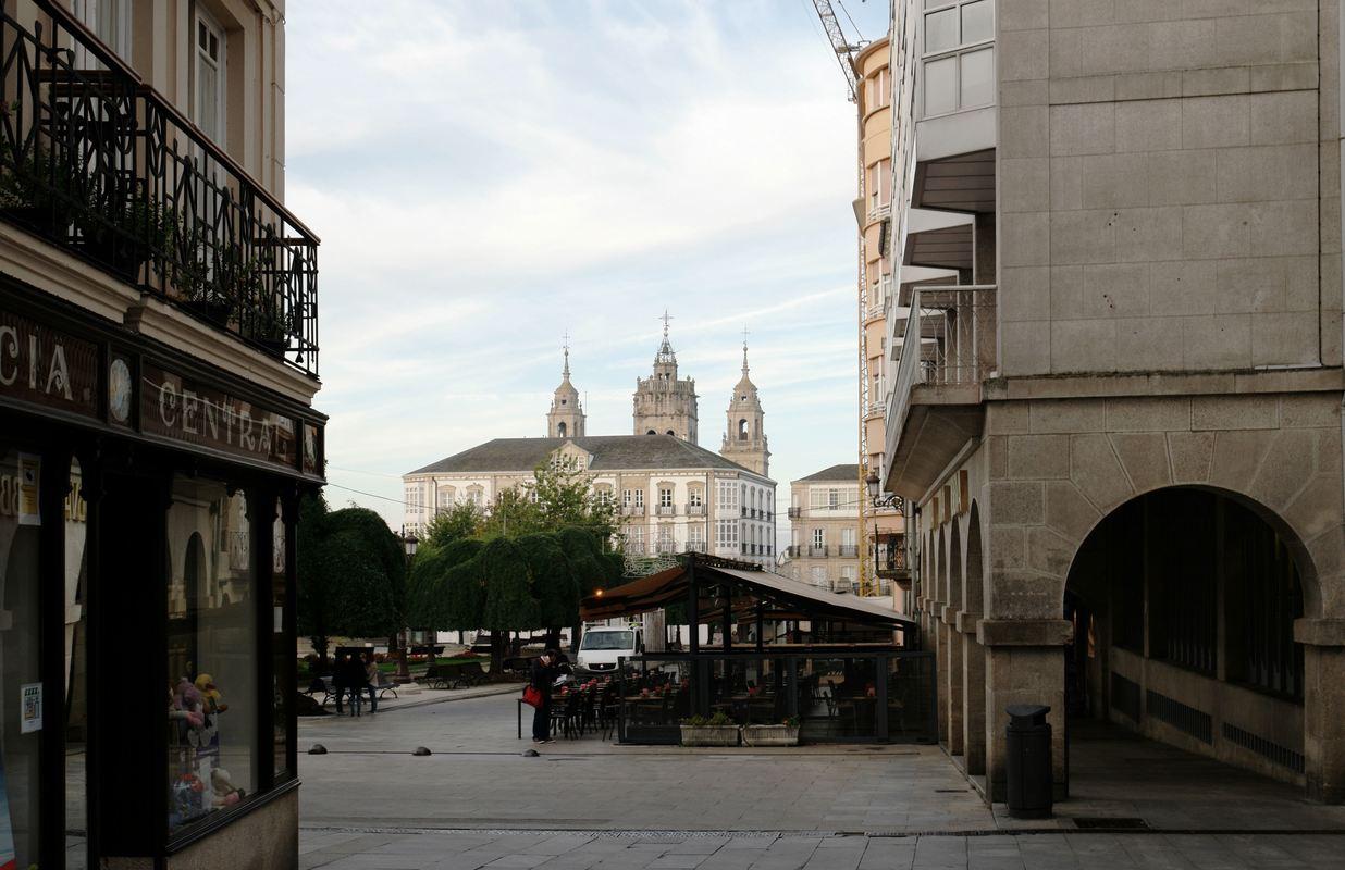 Lugo Plaza